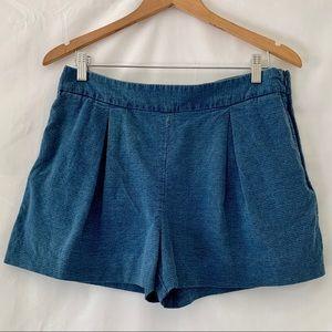 GAP Pleated Indigo Jean Shorts Side Zip Size 10